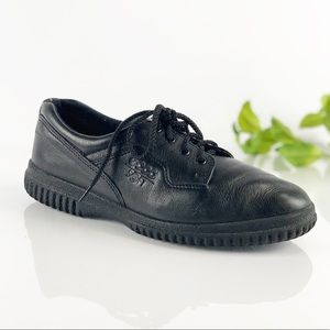 Ecco Soft Black Leather Comfort Low Top Sneaker